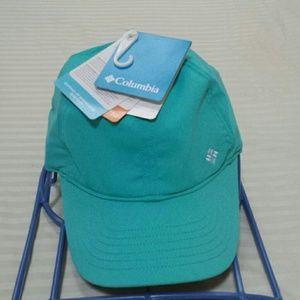 Columbia  women's cap